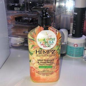 hempz sweet pineapple & honey melon lotion